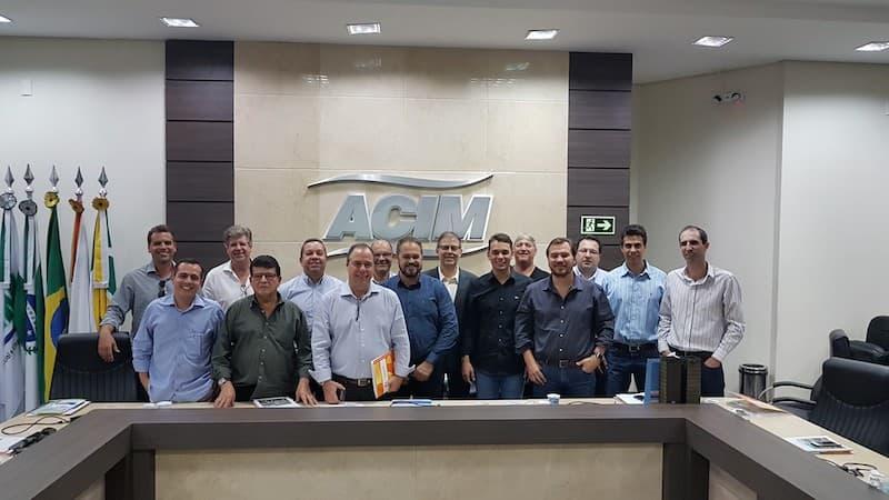 Diretores da ACIAP BM conhecem modelo de gestão de Maringá